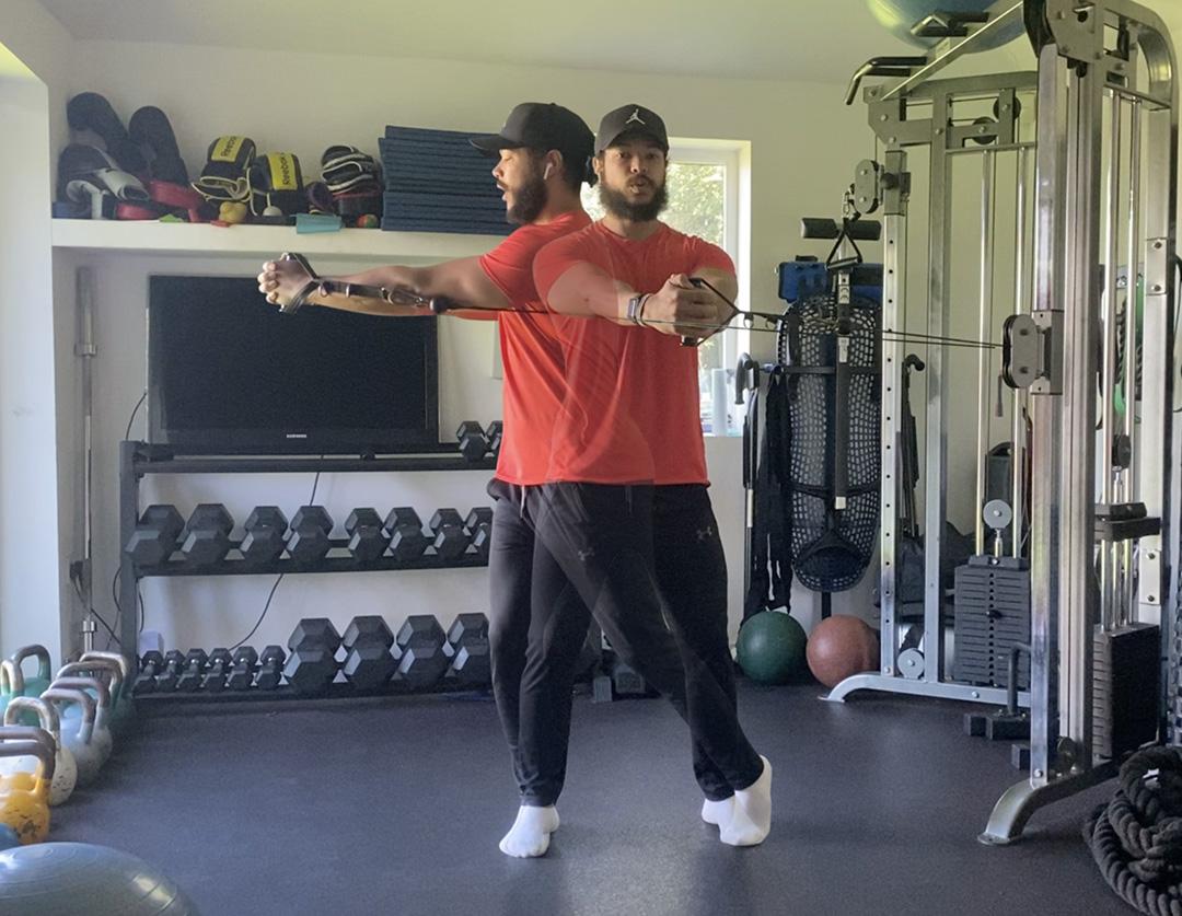 Paloff press with rotation